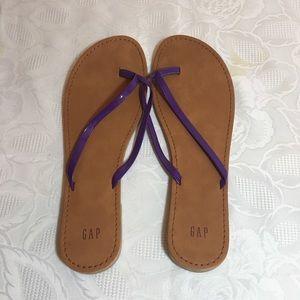 💕🌸 Gap flip flops sandals size 10